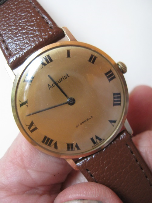 9 carat Gold classic Accurist Swiss wristwatch